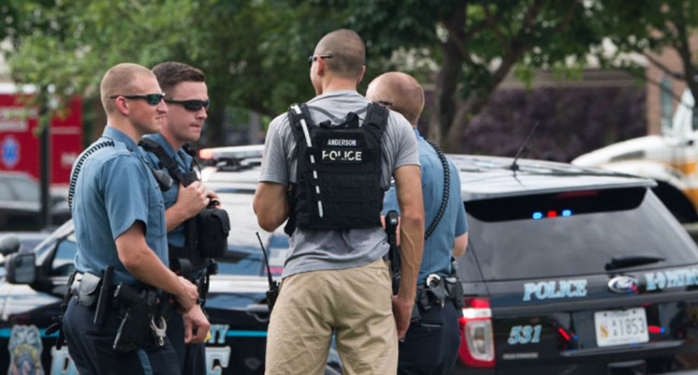 Police respond to a shooting in Annapolis, Maryland, June 28, 2018. SAUL  LOEB / AFP
